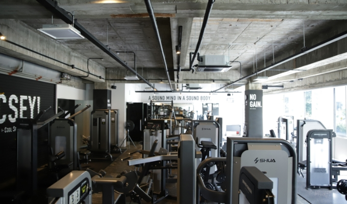 RETIO BODY DESIGN(レシオ・ボディ・デザイン)岡山市北区問屋町の24時間営業フィットネスジムトレーニングエリア