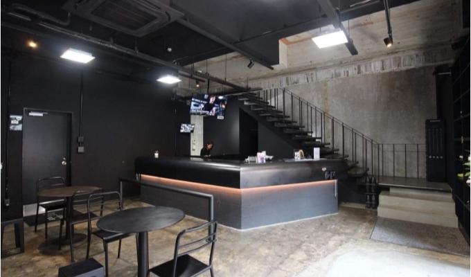 RETIO BODY DESIGN(レシオ・ボディ・デザイン)岡山市北区問屋町の24時間営業フィットネスジム受付カウンター