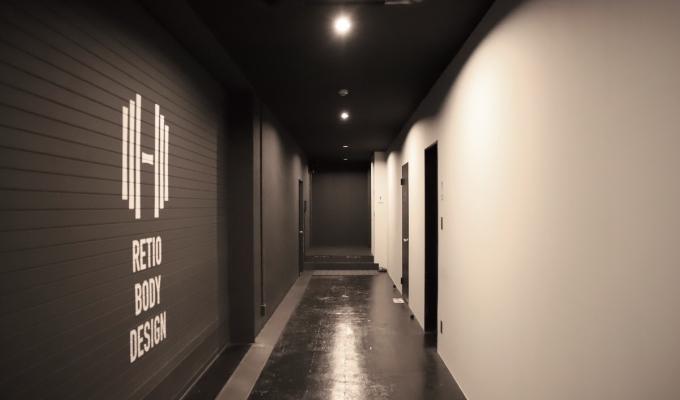 RETIO BODY DESIGN(レシオ・ボディ・デザイン)岡山市北区問屋町の24時間営業フィットネスジム廊下