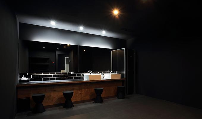 RETIO BODY DESIGN(レシオ・ボディ・デザイン)岡山市北区問屋町の24時間営業フィットネスジム男性用更衣室
