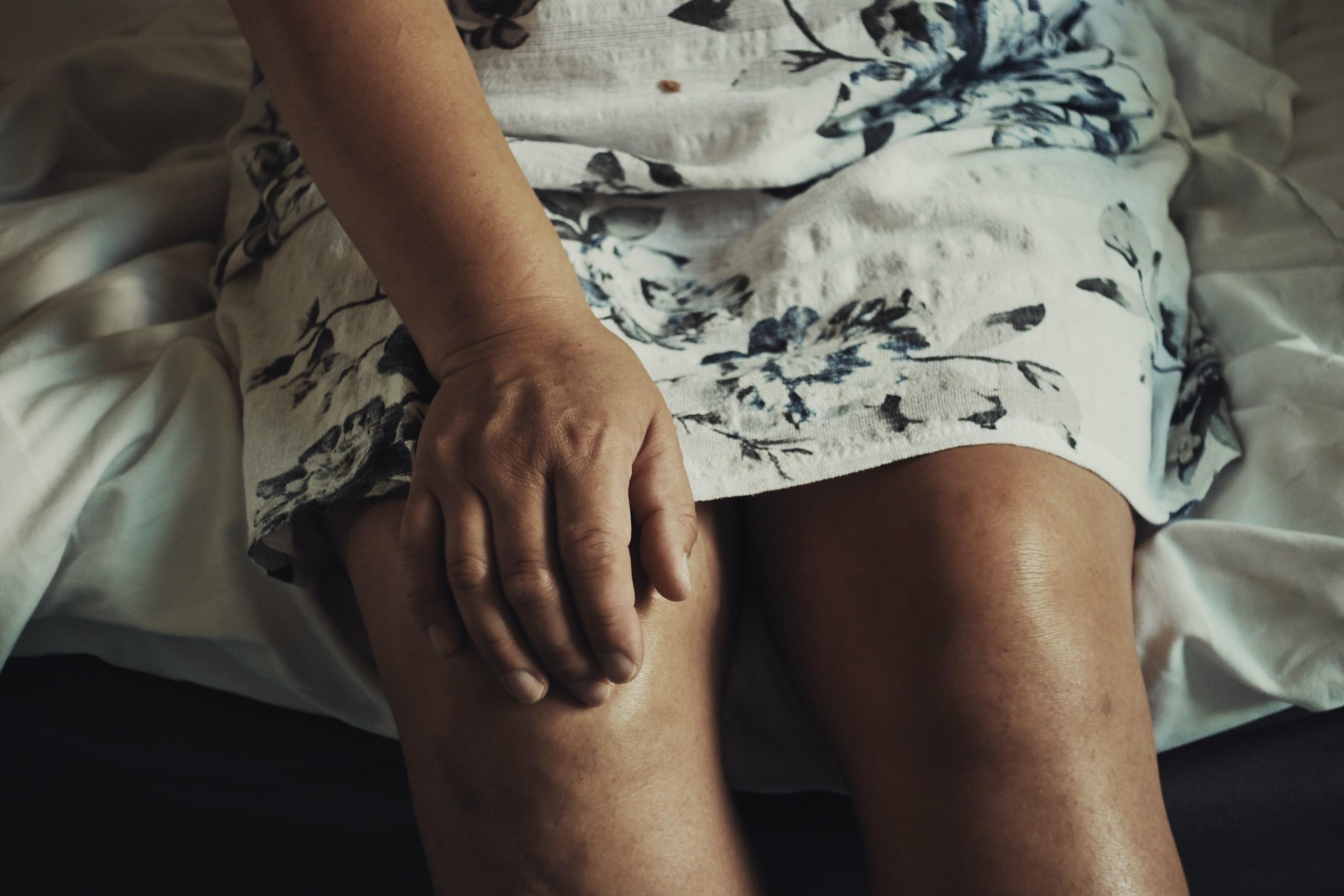 スクワット 膝 が 痛く なる